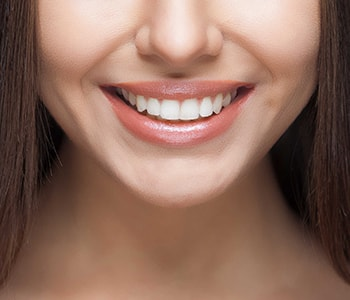 Teeth whitening as a cosmetic dentistry service